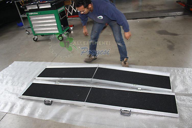 Coppia scivoli pieghevoli in alluminio 213cm chiusi 105cm for Rampe pieghevoli alluminio